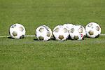 Nederland, Utrecht, 30 juni 2012.Eerste training van FC Utrecht .Ballen van Derbystar