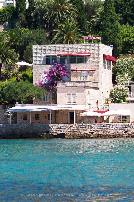 Small hotel Villa Wolff by the sea. Uvala Sumartin bay between Babin Kuk and Lapad peninsulas. Dubrovnik, new city. Dalmatian Coast, Croatia, Europe.
