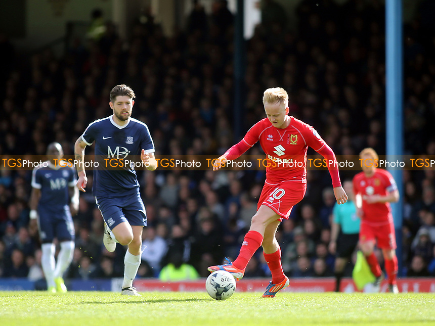 Ben Reeves of MK Dons in action during Southend United vs MK Dons, Sky Bet EFL League 1 Football at Roots Hall on 17th April 2017