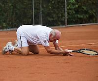 2013,August 24,Netherlands, Amstelveen,  TV de Kegel, Tennis, NVK 2013, National Veterans Tennis Championships,   falling<br /> Photo: Henk Koster