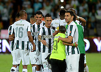 MEDELLIN - COLOMBIA -05 -12-2015: Los jugadores de Atletico Nacional, celebran celebran la clasificación a las semifinales luego de vencer al Deportivo Cali, durante partido de vuelta por los cuartos de final entre Atletico Nacional y Deportivo Cali, de la Liga Aguila II-2015, en el estadio Atanasio Girardot de la ciudad de Medellin.  / The players of Atletico Nacional, celebrate the classification to the semifinals after beating to Deportivo Cali, during a match between Atletico Nacional and Deportivo Cali, for the second leg for the cuarter finals of the Liga Aguila II 2015 at the Atanasio Girardot stadium in Medellin city. Photo: VizzorImage. / Leon Monsalve / Str.