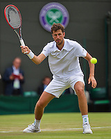 England, London, Juli 02, 2015, Tennis, Wimbledon, Robin Haase (NED) in action against Murray (GBR)<br /> Photo: Tennisimages/Henk Koster