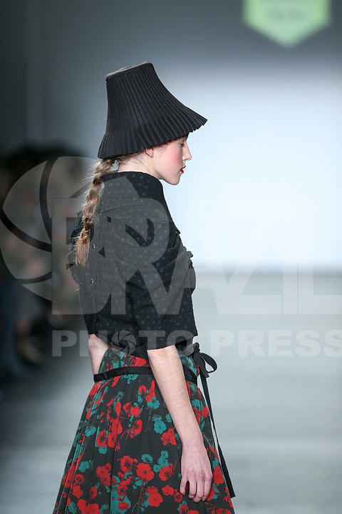 NOVA YORK, EUA, 11.02.2019 - MODA-NOVA YORK - Modelo desfila para designer Bomin Kim de Queenie Zoe por Bomin Kim no desfile de moda do Global Fashion Collective II durante a New York Fashion Week no Pier 59 Studios em NOva York. ( Foto Vanessa Carvalho/Brazil Photo Press)