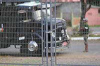 ESTEIO, RS, 25.08.2014 - ABERTURA DOS PORTÕES PARA CHEGADA DOS ANIMAIS DA 37ª EXPOINTER - Oficialmente na manhã desta segunda-feira, os portões da 37ª Expointer (Exposição Internacional de Animais, Máquinas, Implementos e Produtos Agropecuários) são abertos para o recebimentos dos animais que serão expostos na maior feira de agropecuária da América Latina, no Parque Assis Brasil em Esteio nesta segunda-feira, 25. (Foto: Pedro H. Tesch / Brazil Photo Press).