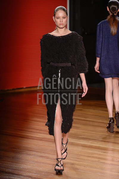 Alexandre Herchcovitch<br /> <br /> S&atilde;o Paulo Fashion Week- Ver&atilde;o 2016<br /> Abril/2015<br /> <br /> foto: Ze Takahashi/ Ag&ecirc;ncia Fotosite