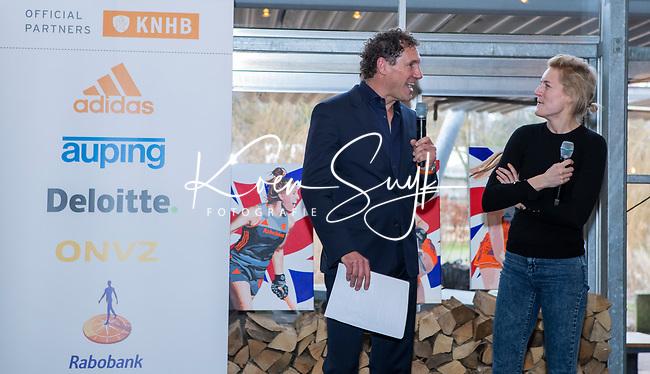 VOGELENZANG -  Carlien Dirkse van den Heuvel (Ned) nam afscheid van Oranje, met presentator Marcel Maijer .  Spelerslunch KNHB 2019. (Ned)   COPYRIGHT KOEN SUYK