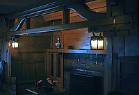 Greene & Greene: Gamble House. Living room inglenook.  Photo '77.