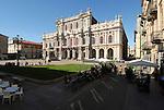 Piazza Carlo Alberto e Palazzo Carignano. Carlo Alberto Square..