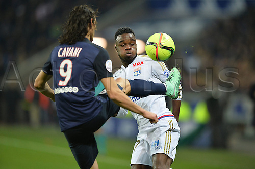 28.02.2016. Lyon, France. French League 1 football. Olympique Lyon versus Paris St Germain.  Maxwell CORNET (ol) challenged by Cavani