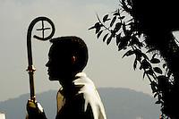 RIO DE JANEIRO - RJ -17/07/2013 -  O arcebispo do Rio de Janeiro, Dom Orani Tempesta, celebra missa na manhã desta quarta-feira (17), no Pão de Açúcar no Rio de Janeiro (RJ), durante passagem da cruz da Jornada Mundial da Juventude (JMJ).. Foto: Fabio Teixeira / Brazil photo press