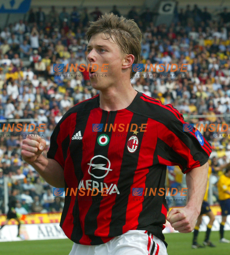 Modena 4/4/2004 Campionato Italiano Serie A 28a Giornata - Matchday 28<br /> Modena Milan 1-1<br /> Jon Dahl Tomasson festeggia il gol del vantaggio del Milan.<br /> Jon Dahl Tomasson celebrates goal of 1-0 for Milan<br /> Foto Insidefoto