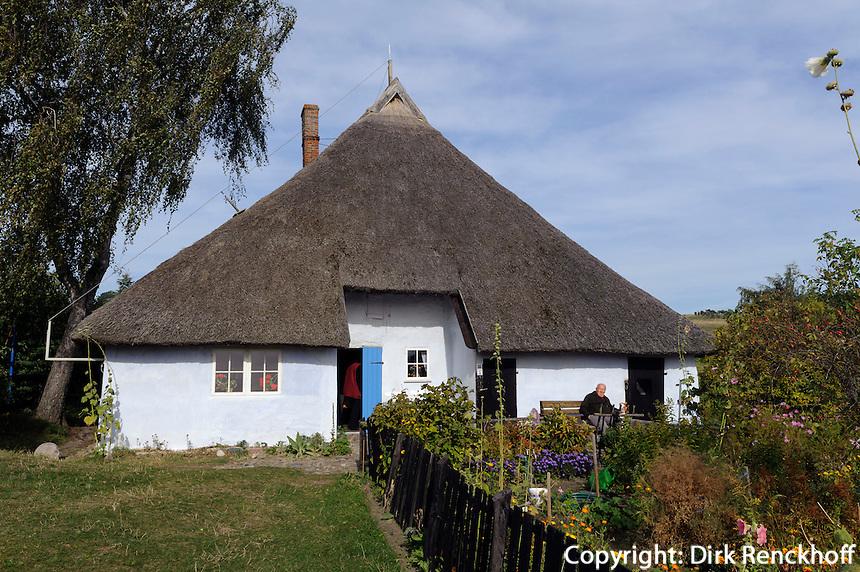 Pfarrwitwenhaus (18.Jh.)  in Groß Zicker auf Rügen, Mecklenburg-Vorpommern, Deutschland