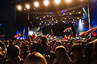 The Main arena at the IST opening show. People is having a good time. Photo: Audun Ingebrigtsen/Scouterna