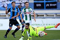 MARBELLA  - Voetbal, Club Brugge - FC Groningen, Trainingskamp , seizoen 2017-2018, 10-01-2018,  Jelle Vossen scoort 1-0 langs FC Groningen doelman Kevin Begois