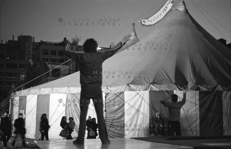 Milano Clown Festival, Festival Internazionale sul Nuovo Clown e Teatro di Strada. Prove per uno spettacolo --- Milano Clown Festival, International Clown and Street Theatre Festival. Practicing for a show