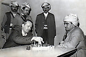 Iraq 1963?.Mustafa Barzani playing chess with Dana Adam Schmidt, an American journalist    Irak 1963? Mustafa Barzani jouant aux echecs avec Dana Adam Schmidt, journaliste américain