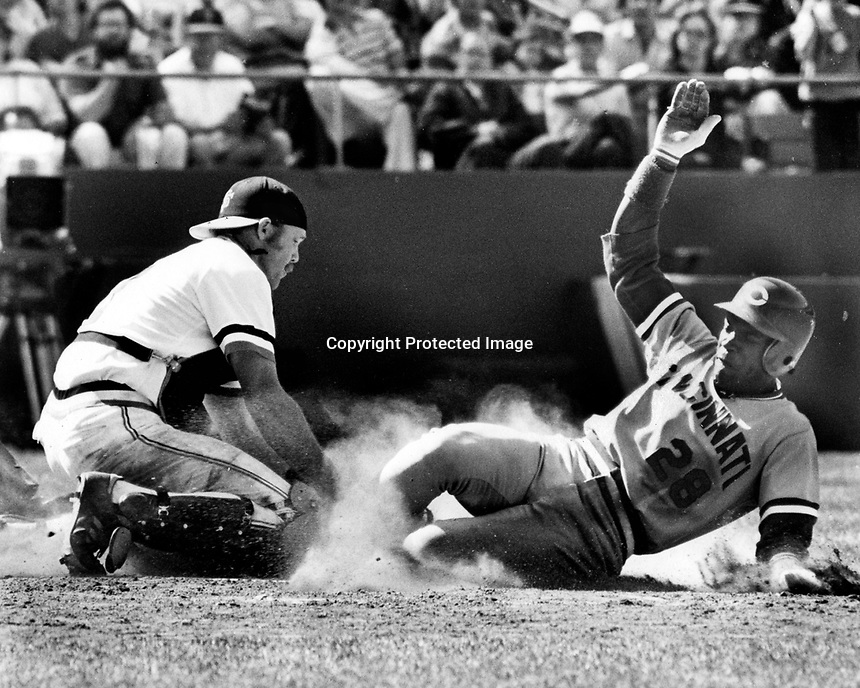 Giant catcher Milt May tags out Cesar Cedeno out at home. (1982 photo by Ron Riesterer)