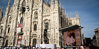 Visita del Papa Benedetto XVI in Piazza Duomo  a Milano per il VII° incontro mondiale delle famiglie...The Pope Benedict XVI during the visit at the VII world meeting of families in Duomo square in Milan.