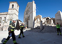 Una veduta della Basilica di San Benedetto distrutta dalla scossa di terremoto di magnitudo 6.5 che ha scosso il centro Italia alle 7,41 del 30 ottobre, a Norcia, 31 ottobre 2016..<br /> A view of the Monastery of St. Benedict collapsed after the magnitude 6.5 earthquake that hit Italy on 30 October, in Norcia, 31 October 2016.<br /> UPDATE IMAGES PRESS/Riccardo De Luca
