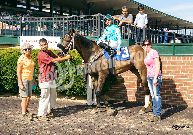 Gemsum winning at Delaware Park on 9/5/16