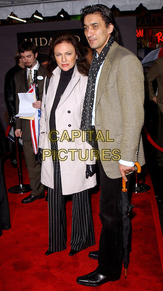 JACQUELINE BISSET.The World Premiere of Hidalgo held at The El Capitan Theatre in Hollywood, California .01 March 2004.*UK Sales Only*.full length, full-length.www.capitalpictures.com.sales@capitalpictures.com.©Capital Pictures.