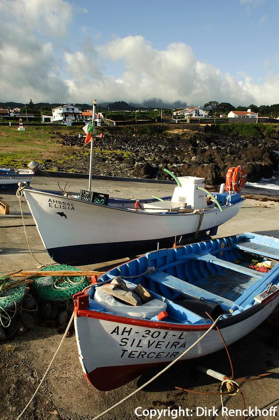 Hafen von Biscoitos auf der Insel Terceira, Azoren, Portugal