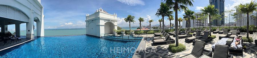 Malaysia, Penang. E&O - the Eastern & Oriental Hotel. The infinity pool.