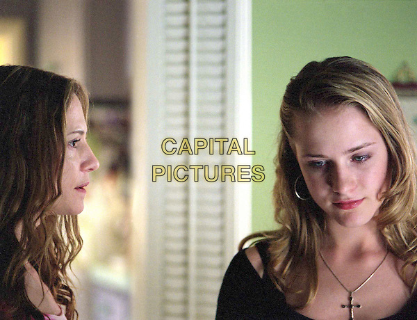 HOLLY HUNTER & EVAN RACHEL WOOD.in Thirteen - filmstill.Filmstill - Editorial Use Only.Ref: FB.sales@capitalpictures.com.www.capitalpictures.com.Supplied by Capital Pictures.