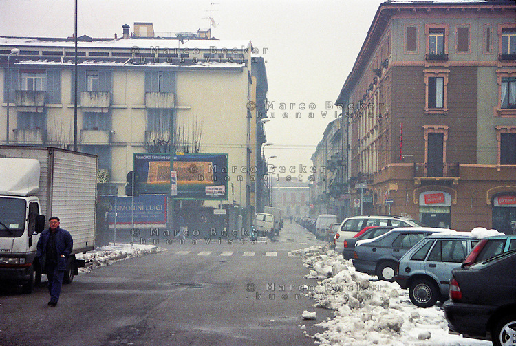 Milano, quartiere Bovisa, periferia nord. Piazza Alfieri, via Bovisasca, via Andreoli --- Milan, Bovisa district, north periphery. Alfieri square, Bovisasca street, Andreoli street