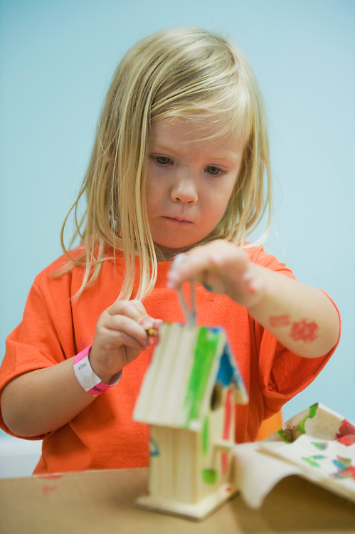 UNITED STATES - JULY 25:  Gracie Ciuba, 3, paints a bird house in the Playseum on 8th St., SE.  (Photo By Tom Williams/Roll Call)