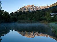 Berge spiegeln sich in Teich, Teilwiesen, Imst. Tirol, &Ouml;sterreich, Europa<br /> Reflexions of Mountains in pond, Teilwiesen, Imst, Tyrol, Austria, Europe