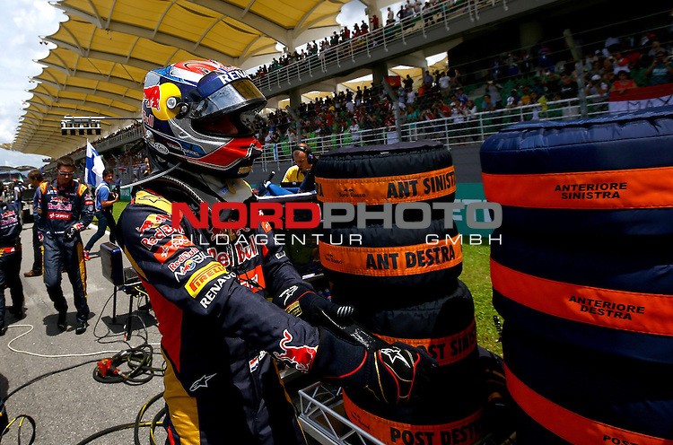 29.03.2011, Sepang-International-Circuit, Malaysia, MAL , Gro&szlig;er Preis von Malaysia / Kuala Lumpur,   im Bild Max Verstappen (NL) Scuderia Toro Rosso<br /> for the complete Middle East, Austria &amp; Germany Media usage only!<br />  Foto &copy; nph / Mathis