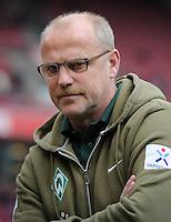 FUSSBALL   1. BUNDESLIGA   SAISON 2011/2012   29. SPIELTAG 1. FC Koeln - SV Werder Bremen                           07.04.2012 Trainer Thomas Schaaf (SV Werder Bremen)