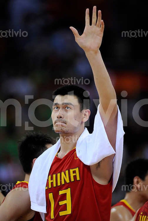 Olympia 2008  Peking   20.08.2008  Basketball Litauen - China YAO Ming (CHN).