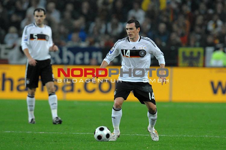 Fussball, L&auml;nderspiel, WM 2010 Qualifikation Gruppe 4 in M&ouml;nchengladbach ( Borussia Park ) <br />  Deutschland (GER) vs. Wales ( GB ) 1:0 ( 0:0 )<br /> <br /> Piotr Trochowski ( Ger / Hamburger SV #14<br /> <br /> <br /> Foto &copy; nph (  nordphoto  )<br />  *** Local Caption ***