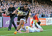 Kyle Eastmond of Bath Rugby runs in a try in the first half. Aviva Premiership match, between Bath Rugby and Harlequins on October 31, 2015 at the Recreation Ground in Bath, England. Photo by: Robbie Stephenson / JMP for Onside Images