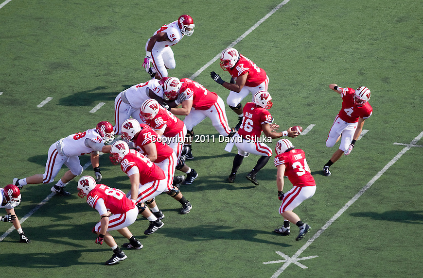 An overhead view of the Wisconsin Badgers offense during an NCAA Big Ten Conference college football game against the Indiana Hoosiers on October 15, 2011 in Madison, Wisconsin. The Badgers won 59-7. (Photo by David Stluka)