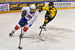 07.01.2020, BLZ Arena, Füssen / Fuessen, GER, IIHF Ice Hockey U18 Women's World Championship DIV I Group A, <br /> Deutschland (GER) vs Frankreich (FRA), <br /> im Bild Luisa Welcke (GER, #13) verfolgt Lucie Quarto (FRA, #7)<br /> <br /> Foto © nordphoto / Hafner