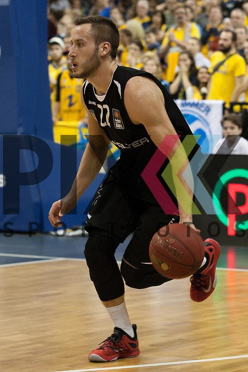 Tuebingens Vladimir Mihailovic <br /> <br /> 19.12.15 BEKO BBL Basketball Bundesliga, ALBA Berlin - WALTER Tigers Tuebingen <br /> <br /> Foto &copy; PIX-Sportfotos *** Foto ist honorarpflichtig! *** Auf Anfrage in hoeherer Qualitaet/Aufloesung. Belegexemplar erbeten. Veroeffentlichung ausschliesslich fuer journalistisch-publizistische Zwecke. For editorial use only.
