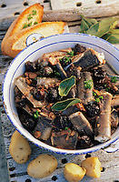 "Europe/France/Pays de la Loire/44/Loire-Atlantique/Parc Naturel Regional de Brière/Ile Fedrun : Matelote d'anguille aux pruneaux - Recette de Guillaume Guerin de ""La Hutte Brieronne"" // France, Loire Atlantique, Briere Regional Natural Park, Ile Fedrun, La Hutte Brieronne Restaurant, Matelote of eels with prunes, receipe of Guillaume Guerin"