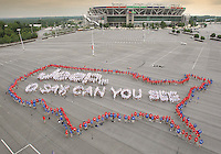 "June 14, 2007 - Nearly 1,000students and music educators from across the country sing ""The Star-Spangled Banner"" while forming the outline of the United States, the first five words of the national anthem - ""O say, can you see"" and ""Jeep®"" at FedExField in Landover, Md., to celebrate the finale of the National Anthem Project on Flag Day.  The national education effort, created by the MENC and sponsored by Jeep, focused on re-teaching Americans the words to ""The Star-Spangled Banner"" after a Harris Poll showed that two out of three Americans don't know the words.  The formation measured approximately 160 ft. wide by 250 ft. long. (Photo Courtesy: Chrysler Group)"