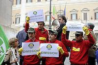 Roma, 13 Ottobre 2011.Piazza Montecitorio.I verdi travestiti da Banda Bassotti protestano contro la manovr economica.Angelo Bonelli