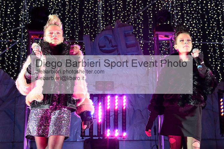 (KIKA) - TORINO - 04/01/2013 Concerto dei ragazzi di X-Factor 2012 sesta edizione, a Gru Village di Grugliasco, Torino.<br /> <br /> Le Donatella, Giulia e Silvia Provvedi