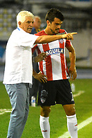 BARRANQUILLA - COLOMBIA - 10 - 05 - 2017: Julio Comesaña(Izq.), técnico de Atletico Junior da instrucciones a Sebastian Hernandez (Der.), jugador, durante partido de la fecha 17 entre Atletico Junior y Atletico Bucaramanga por la Liga Aguila I-2017, jugado en el estadio Metropolitano Roberto Melendez de la ciudad de Barranquilla. / Julio Comesaña (L), coach of Atletico Junior, gives intructions to Sebastian Hernandez  (R), player during a match of the date 17th between Atletico Junior and Atletico Bucaramanga for the Liga Aguila I-2017 at the Metropolitano Roberto Melendez Stadium in Barranquilla city, Photo: VizzorImage  / Alfonso Cervantes / Cont.
