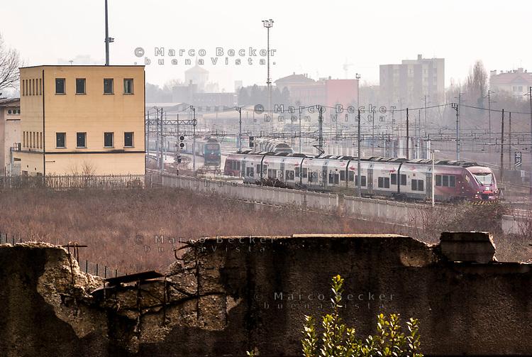 Milano, periferia nord. Ex scalo merci ferroviario Farini --- Milan, north periphery. Rail yard Farini