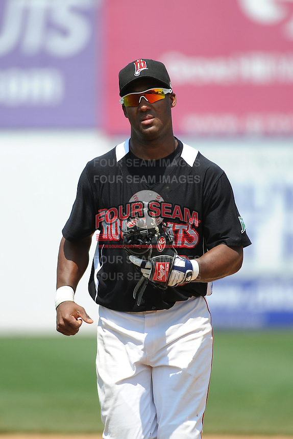 New Britain Rock Cats infielder Danny Santana (9) during game against the Richmond Flying Squirrels at New Britain Stadium on May 30, 2013 in New Britain, CT.  New Britain defeated Richmond 2-1.  (Tomasso DeRosa/Four Seam Images)