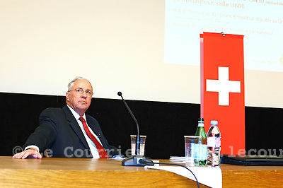 Genève, le 02.11.2010.Christoph Blocher pendant un débat pro-UDC a l'université de Genève..