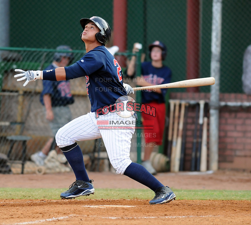 Outfielder Oswaldo Arcia (24) of the Elizabethton Twins in a game against the Danville Braves on July 16, 2010, at Joe O'Brien Field in Elizabethton, Tenn. Photo by: Tom Priddy/Four Seam Images