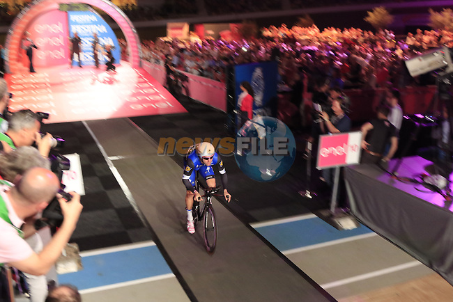 Fabio Sabatini (ITA) Etixx-Quick Step has the honour of being first away on Stage 1 of the 2016 Giro d'Italia, an individual time trial of 9.8km around Apeldoorn, The Nethrerlands. 6th May 2016.<br /> Picture: Eoin Clarke | Newsfile<br /> <br /> <br /> All photos usage must carry mandatory copyright credit (&copy; Newsfile | Eoin Clarke)