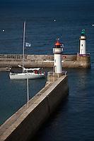 Europe/France/Bretagne/56/Morbihan/ Belle-Ile-en-Mer/ Le Palais: Le Palais: les phares qui balisent l'entrée du port